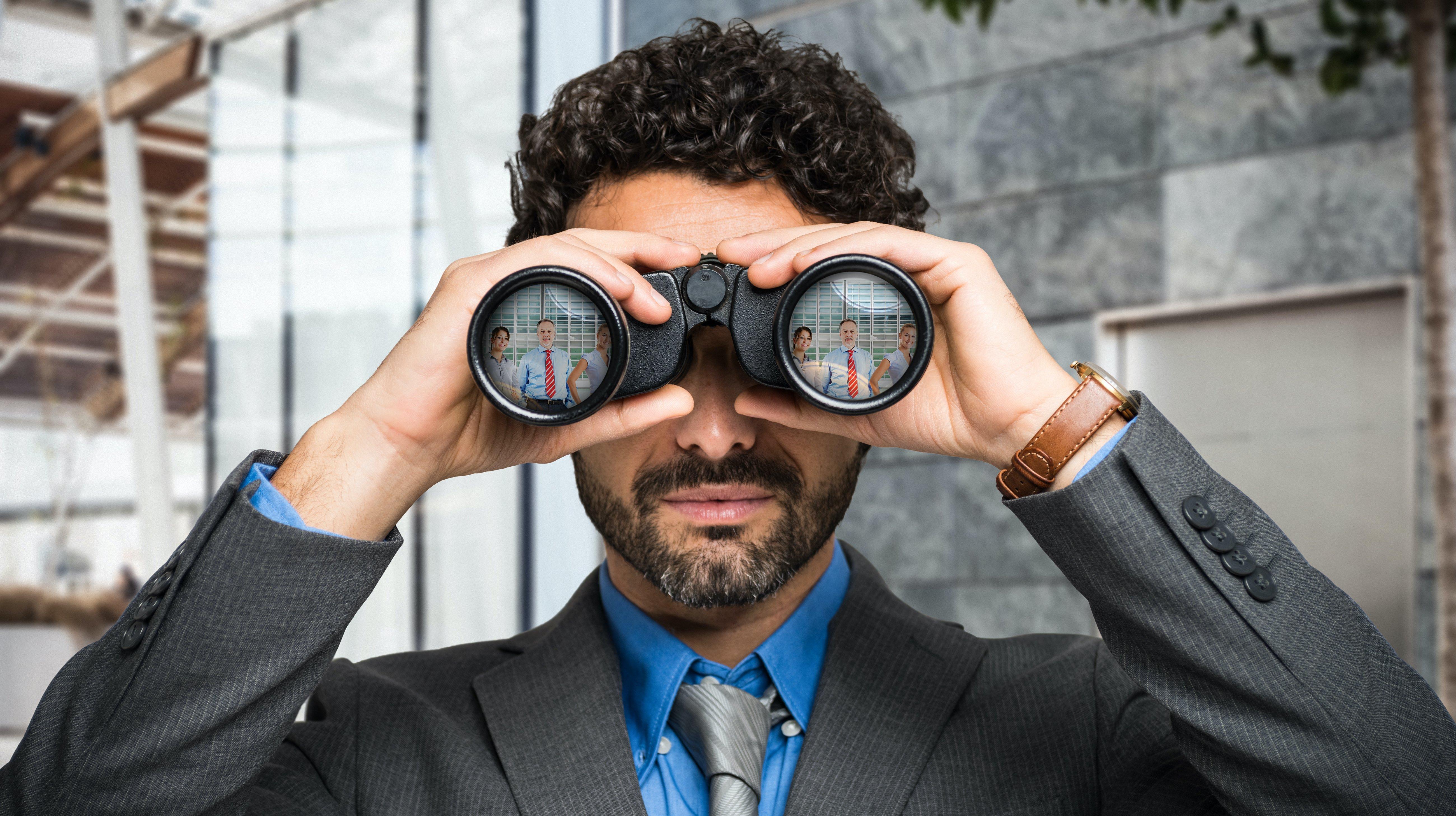 Customer search with binoculars